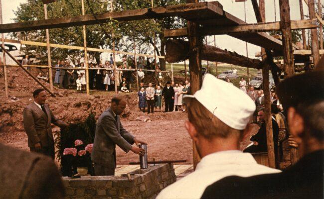 Bild von 1960 Grundsteinlegung