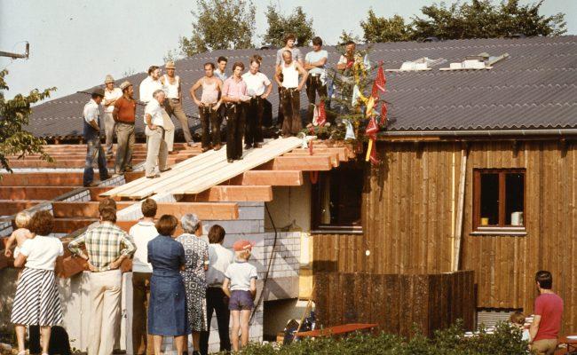 Bild von 1981 Anbau Hausteil B Richtfest